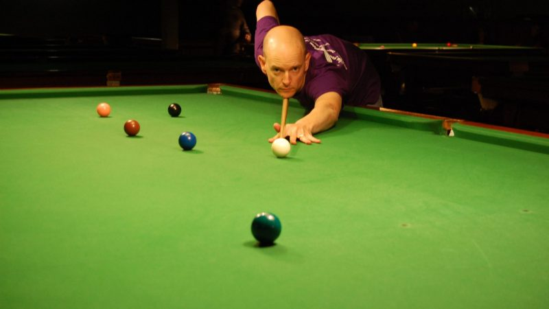 Jon wins black ball frame at Stadium Leisure