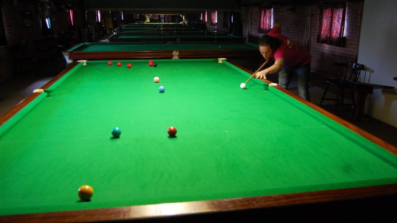 Steve scrapes a win at Grove Mill Snooker Club